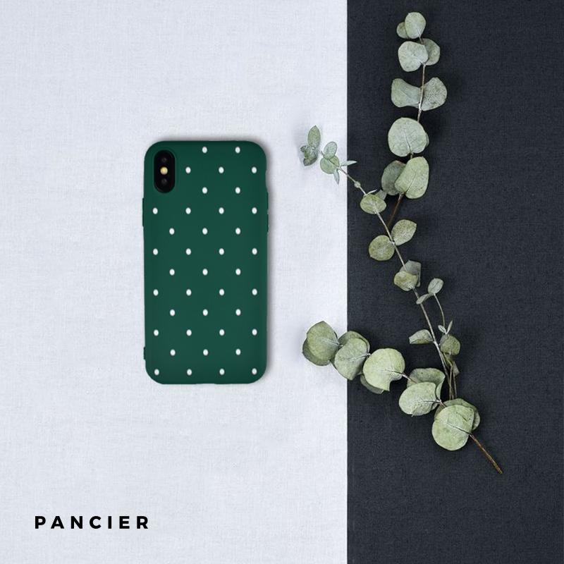 Silikónový kryt na iPhone X/XS - green dots